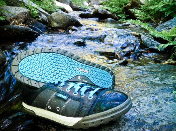 If you're looking for the perfect shoe that is both stylish and comfortable, the women's Teva Westwater is the shoe for you! This fashionable shoe allows